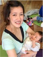 ベビーマッサージ、ママと赤ちゃん2